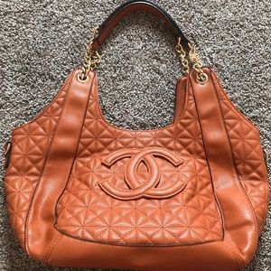 UNBRANDED PURSE (read description)